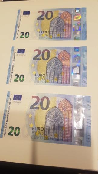 Trío correlativo billetes 20 Euros Draghi Luxemburgo RA - R007B1 20200923