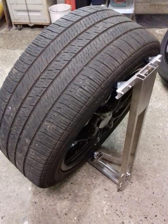 Support maison en inox pour nettoyer les roues de nos bolides !!! 20210425