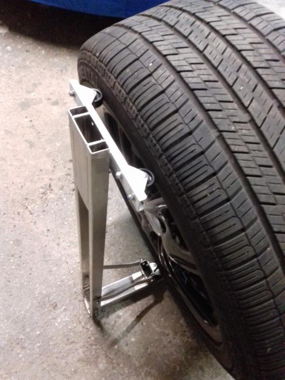 Support maison en inox pour nettoyer les roues de nos bolides !!! 20210427