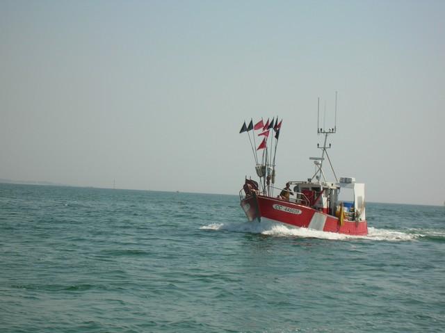 [VIE DES PORTS] Quelques bateaux de pêche (sur nos côtes Françaises) - Page 2 20_04_11