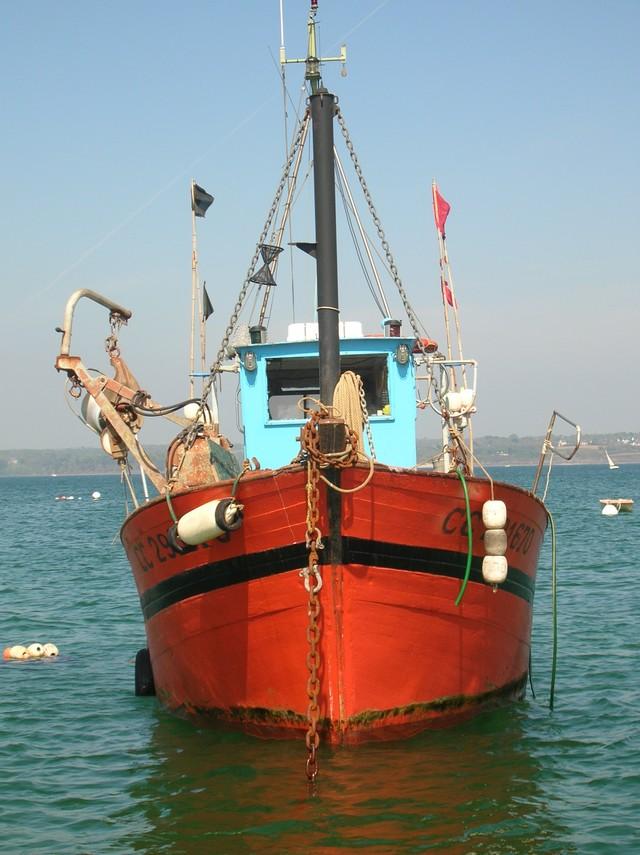 [VIE DES PORTS] Quelques bateaux de pêche (sur nos côtes Françaises) - Page 2 22_04_18