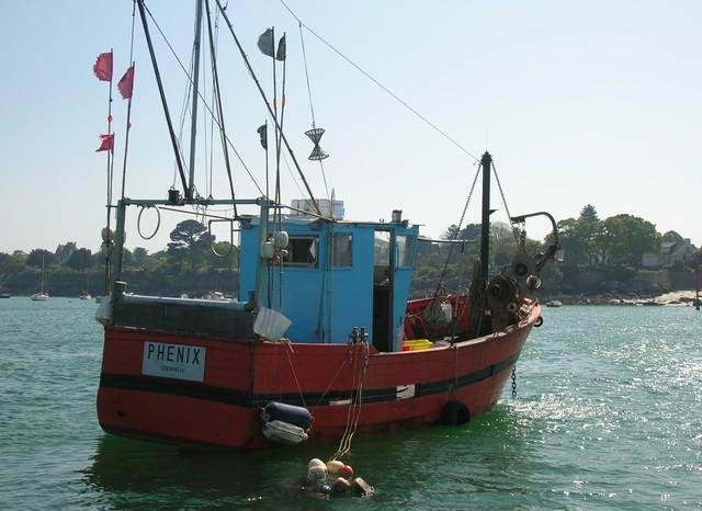 [VIE DES PORTS] Quelques bateaux de pêche (sur nos côtes Françaises) - Page 2 22_04_19