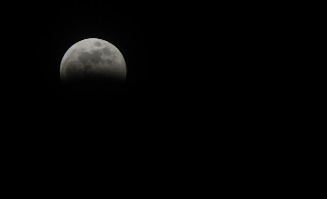eclispe de lune hier soir !!!! Ecli10