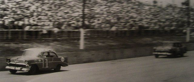 HISTOIRE DE NASCAR - Page 3 56chev11