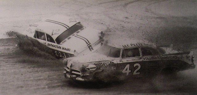 HISTOIRE DE NASCAR - Page 3 Beachf10