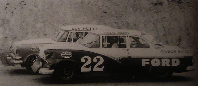 HISTOIRE DE NASCAR - Page 3 Fireba17
