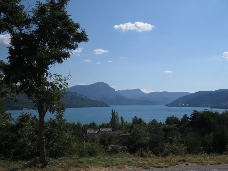 Yocco et Anook dans les Alpes 02_lac10