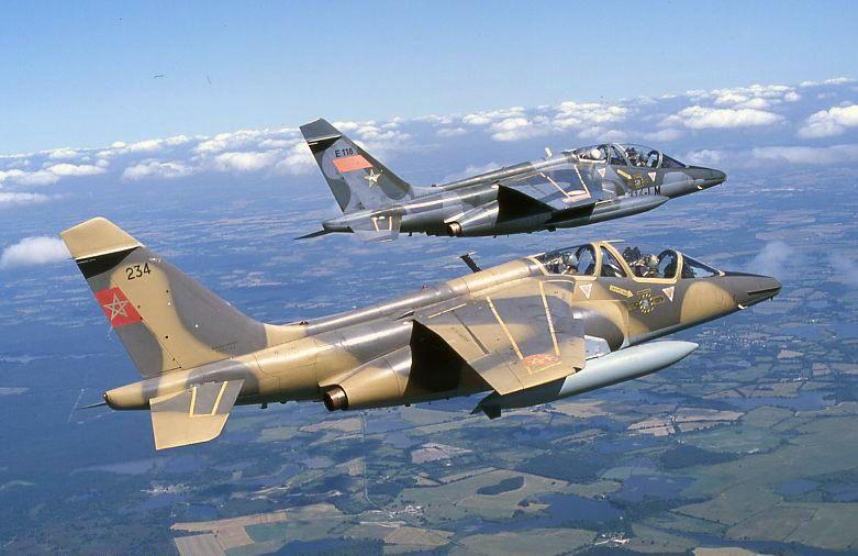 FRA: Photos avions d'entrainement et anti insurrection 234-10