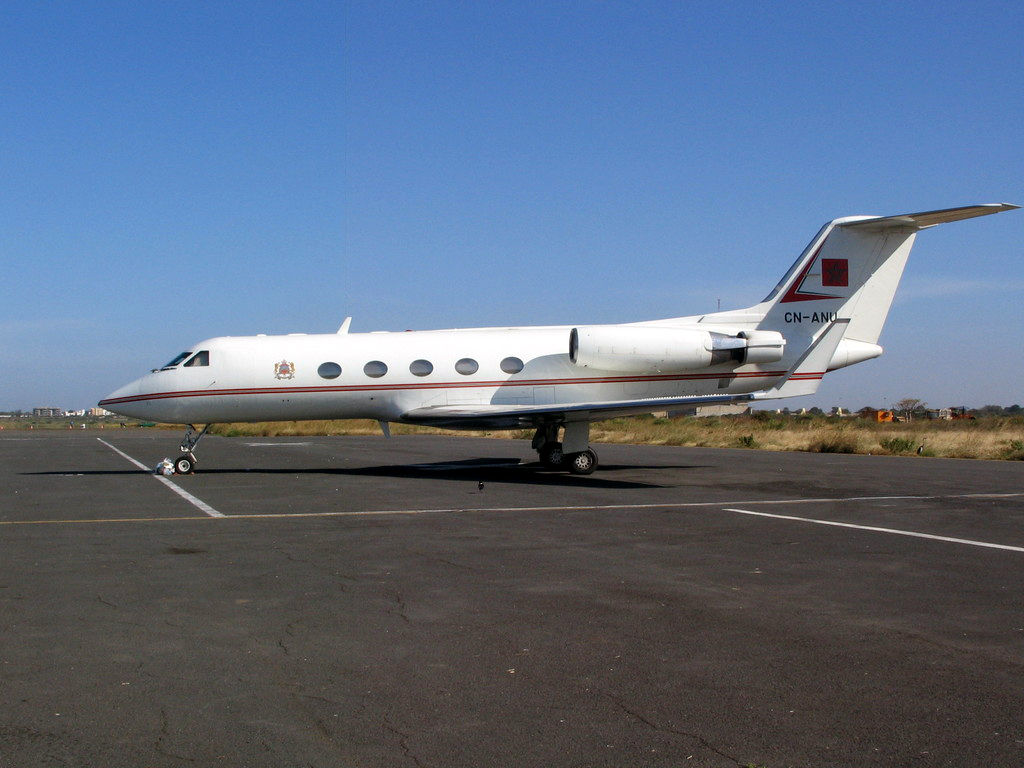 FRA: Avions VIP, Liaison & ECM Cn-anu12