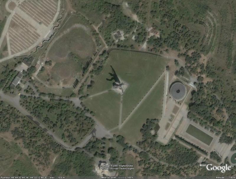 Statues Volgog10