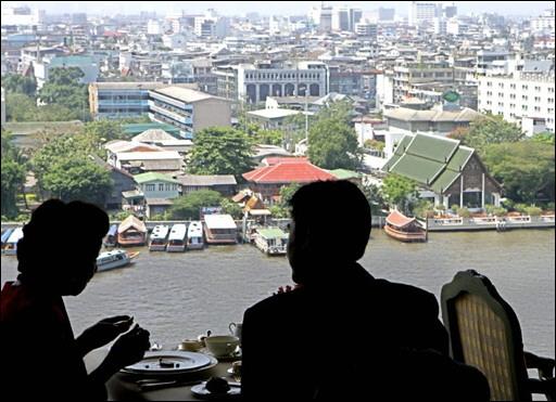 29000 dollars par personne pour un diner de gala à Bangkok 07020810