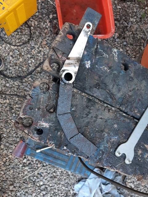 [RESOLU] Déplacer la pédale de frein arrière sur mon bobber+ commande reculée sélecteur tout le déroulé de la modiff....... 20200429