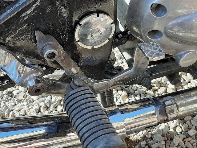 [RESOLU] Déplacer la pédale de frein arrière sur mon bobber+ commande reculée sélecteur tout le déroulé de la modiff....... 20200437