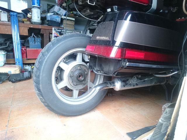 Démonter la roue arrière du 1500........ Dsc_7111