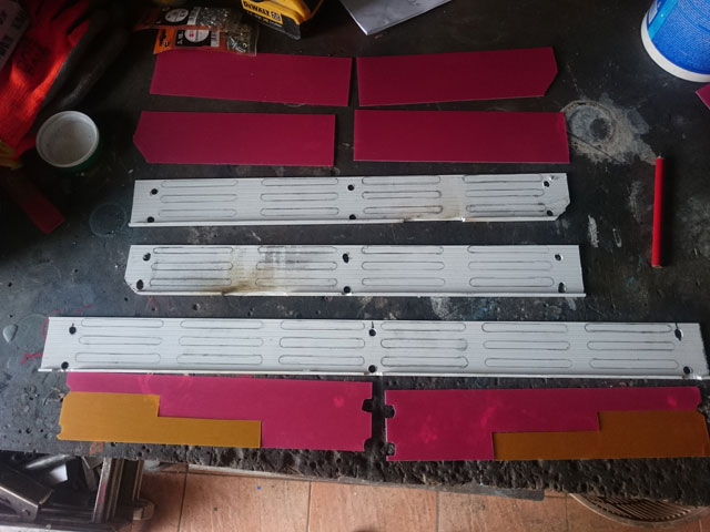 Les modifs sur mon 1500 SE, Leds,remplacement HP page 9, fabrication protections sacoches............... - Page 13 Dsc_8828