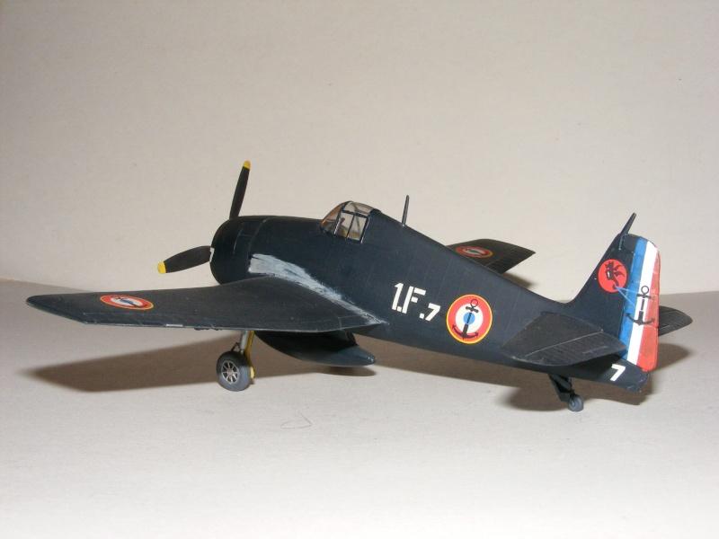 F6F-5 Heller 1/72 2007_053