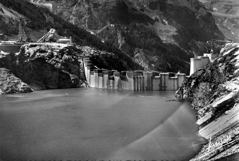 [Tignes] Le barrage de Tignes et les aménagements liés - Page 3 Barrag10