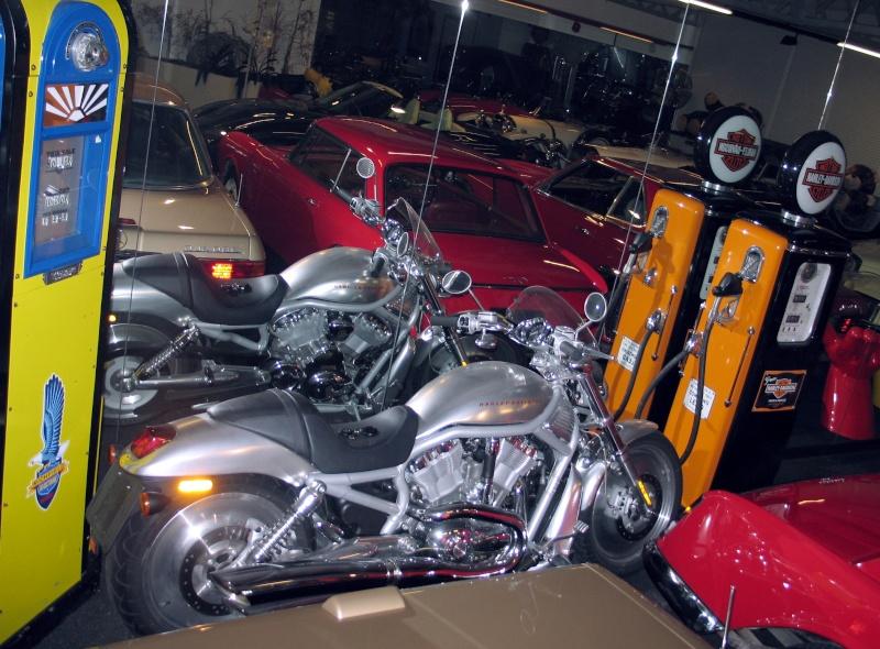 Le café du cirque... Harley11