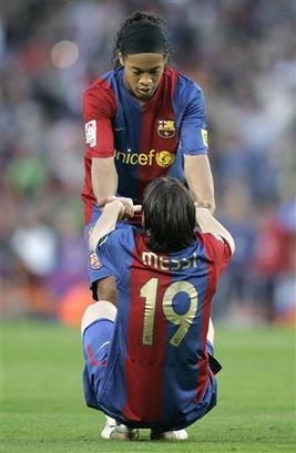 صور مباراة برشلونة أمام ليفانتي Capt_b10