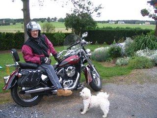 moi mon petit chien et ma belle Img_1611
