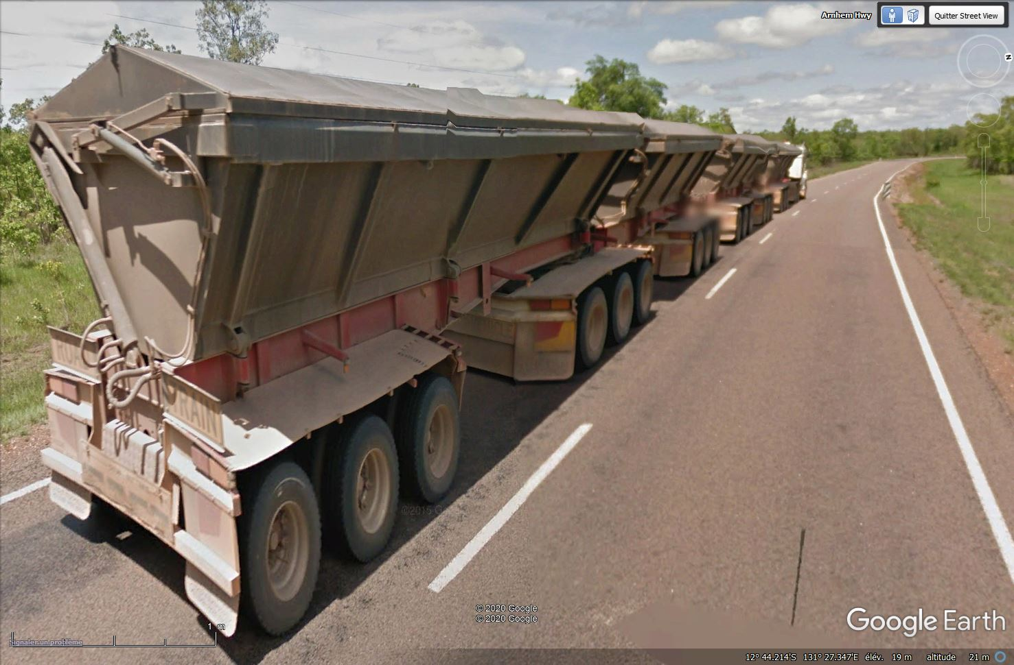 Camions australiens (road trains) - Page 6 Tsge1377