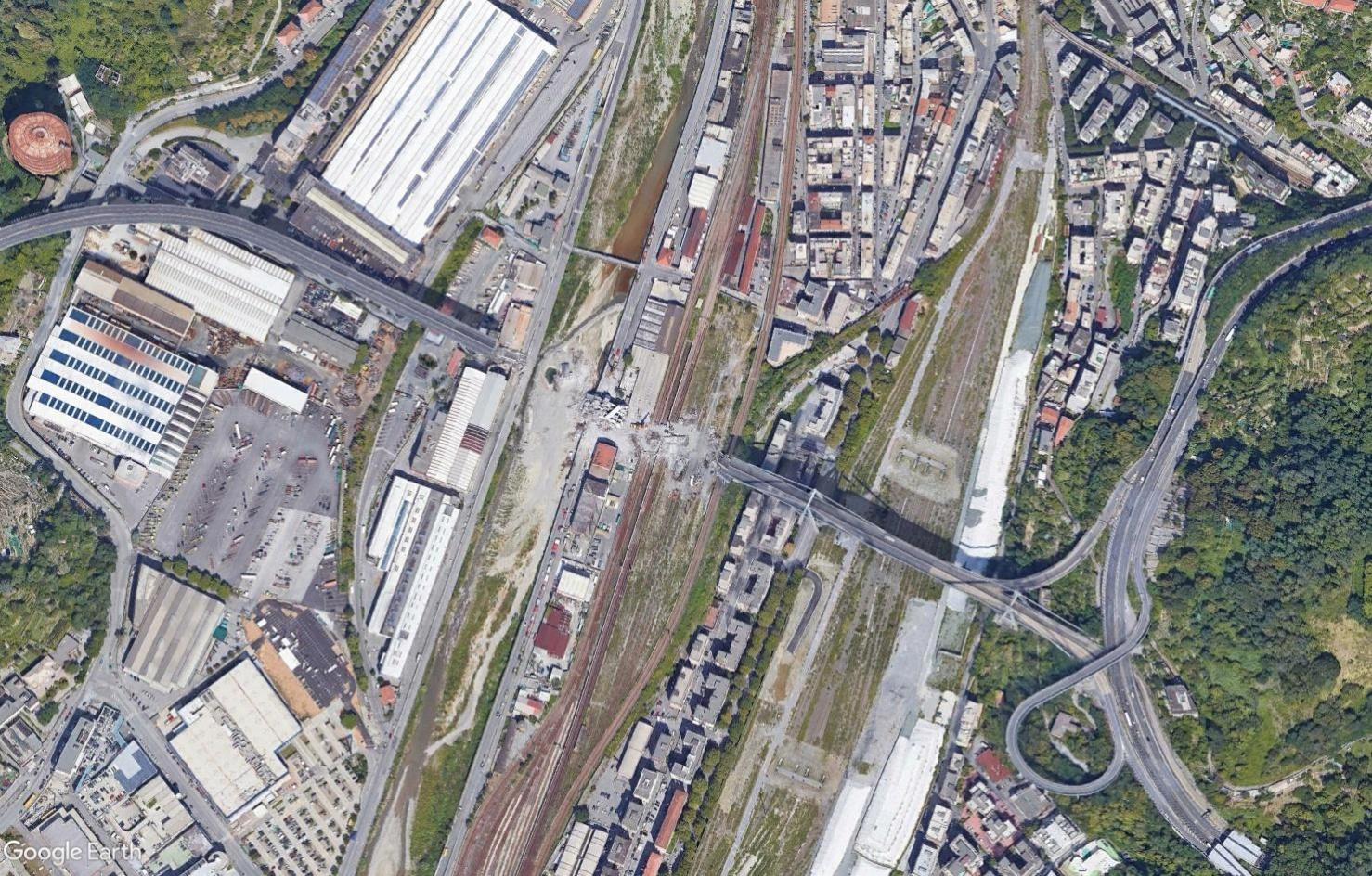 [Bientôt visible sur Google Earth] - Le pont Morandi, Gênes Tsge1596