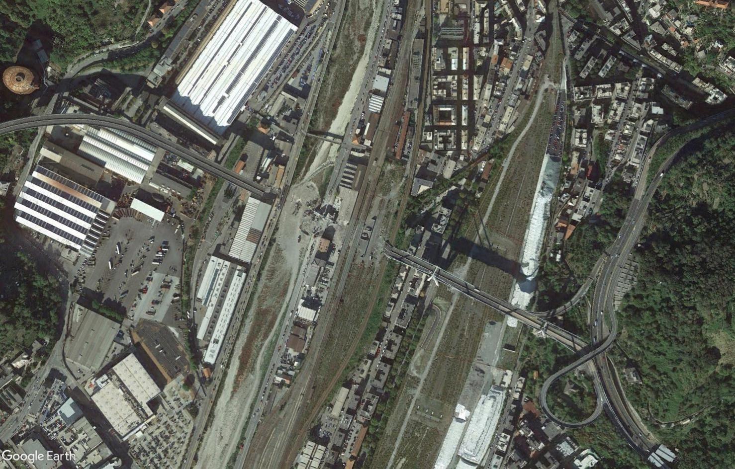 [Bientôt visible sur Google Earth] - Le pont Morandi, Gênes Tsge1597