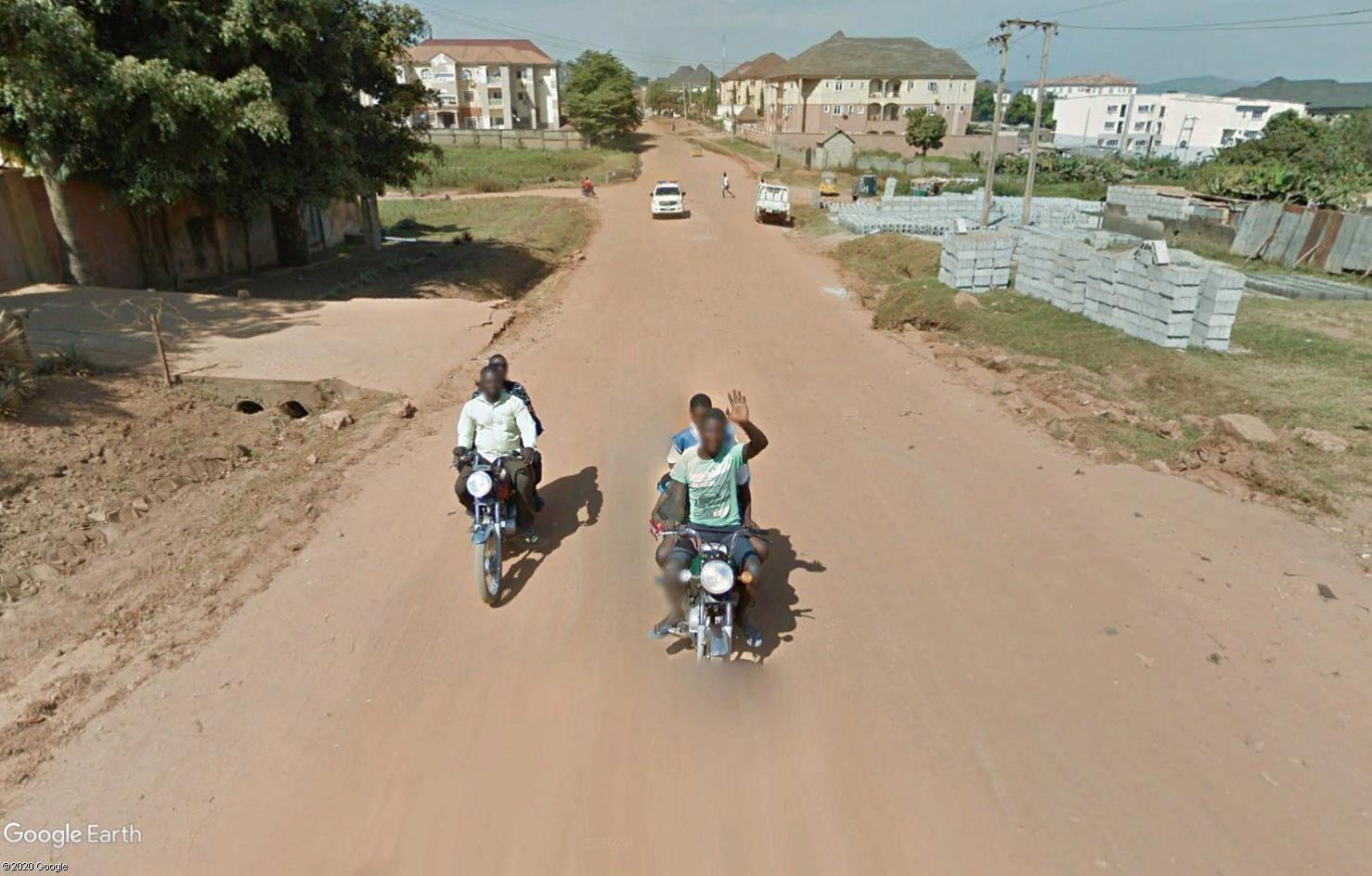 STREET VIEW : un coucou à la Google car  - Page 54 Tsge1725