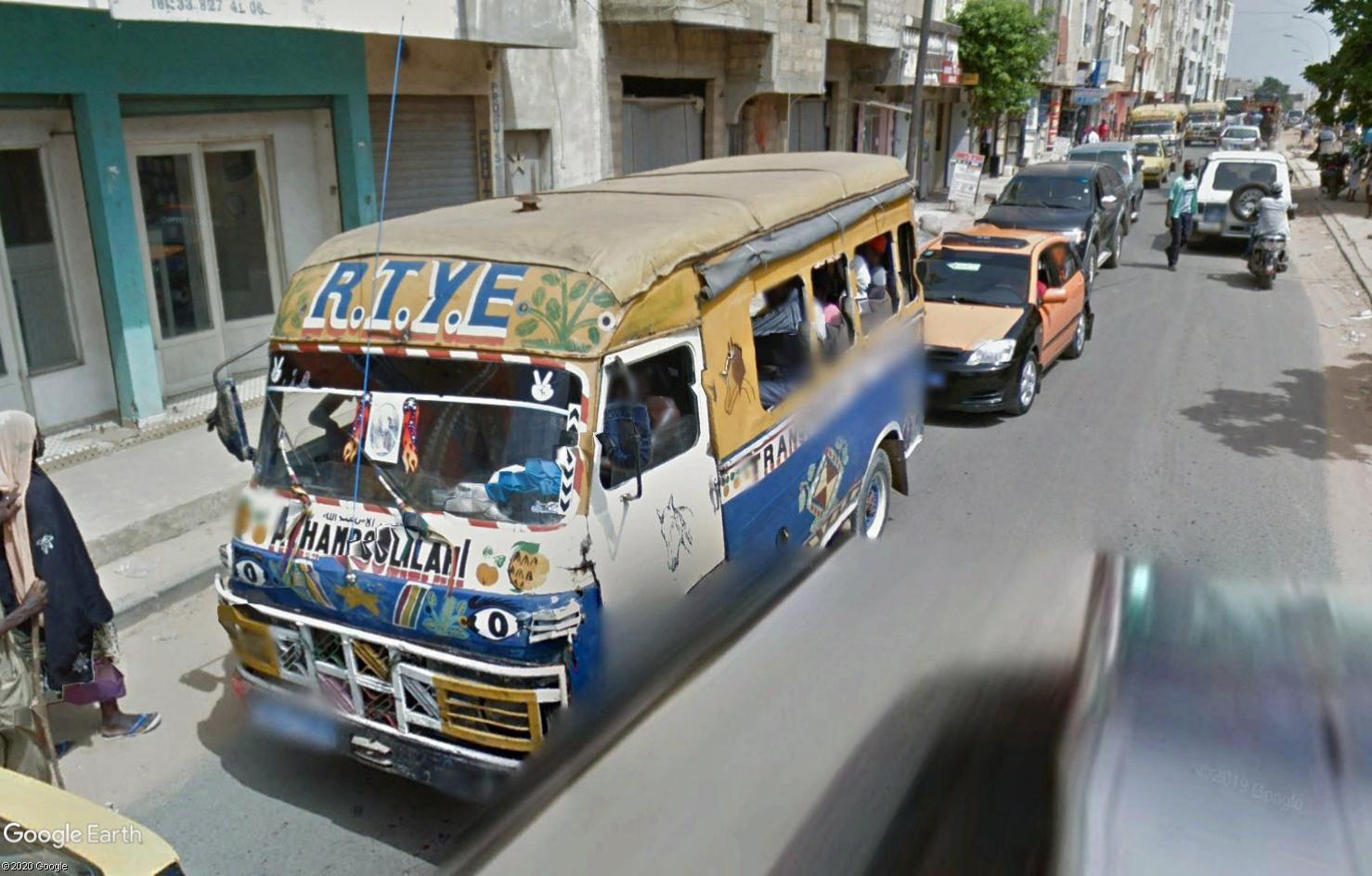 STREET VIEW : cars rapides et transports en commun du Sénégal Tsge1791