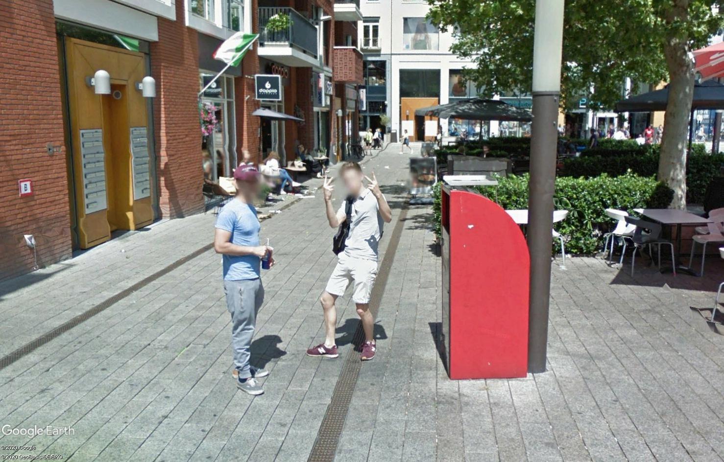 STREET VIEW : un coucou à la Google car  - Page 55 Tsge1803