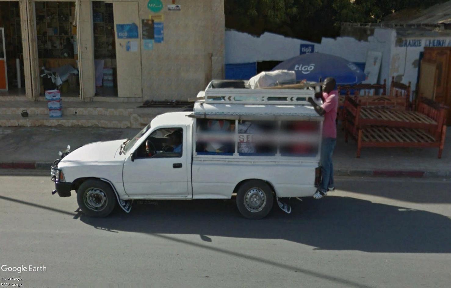 STREET VIEW : cars rapides et transports en commun du Sénégal Tsge1816