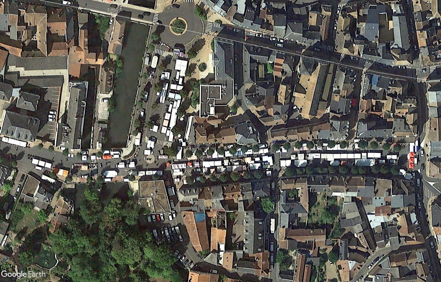 Marchés et Brocantes sur Google Earth - Page 10 Tsge1824