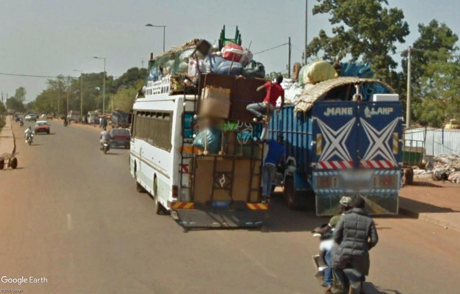 STREET VIEW : cars rapides et transports en commun du Sénégal - Page 2 Tsge1957