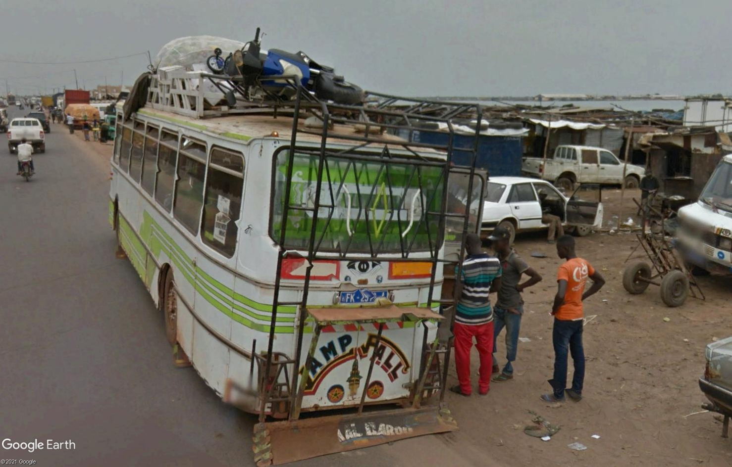 STREET VIEW : cars rapides et transports en commun du Sénégal - Page 2 Tsge1979