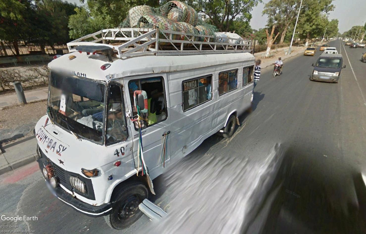 STREET VIEW : cars rapides et transports en commun du Sénégal - Page 2 Tsge2096