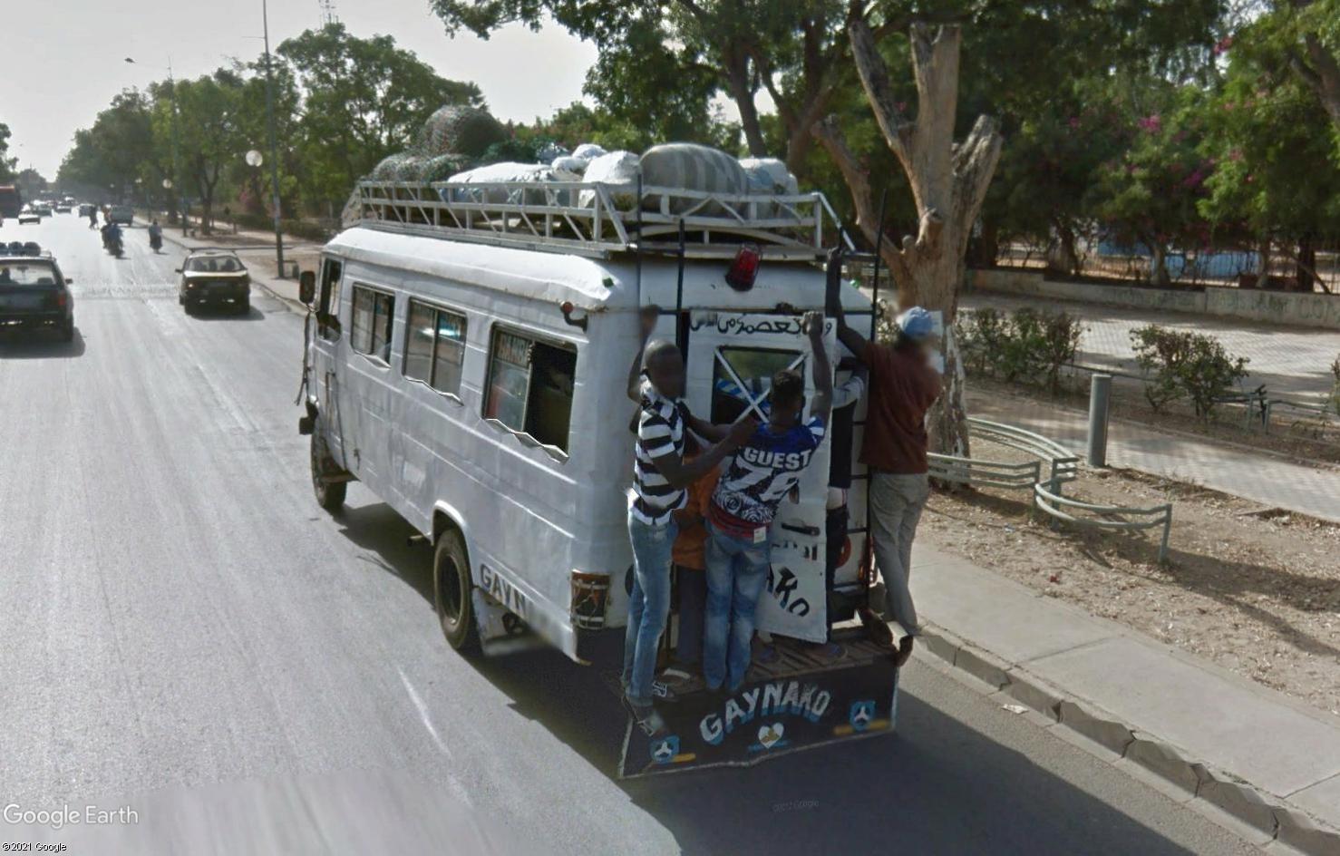 STREET VIEW : cars rapides et transports en commun du Sénégal - Page 2 Tsge2098
