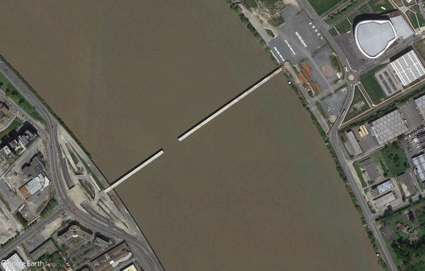 ( Bientot visible sur Google Earth ) Pont Simone Veil Bordeaux France Tsge2330