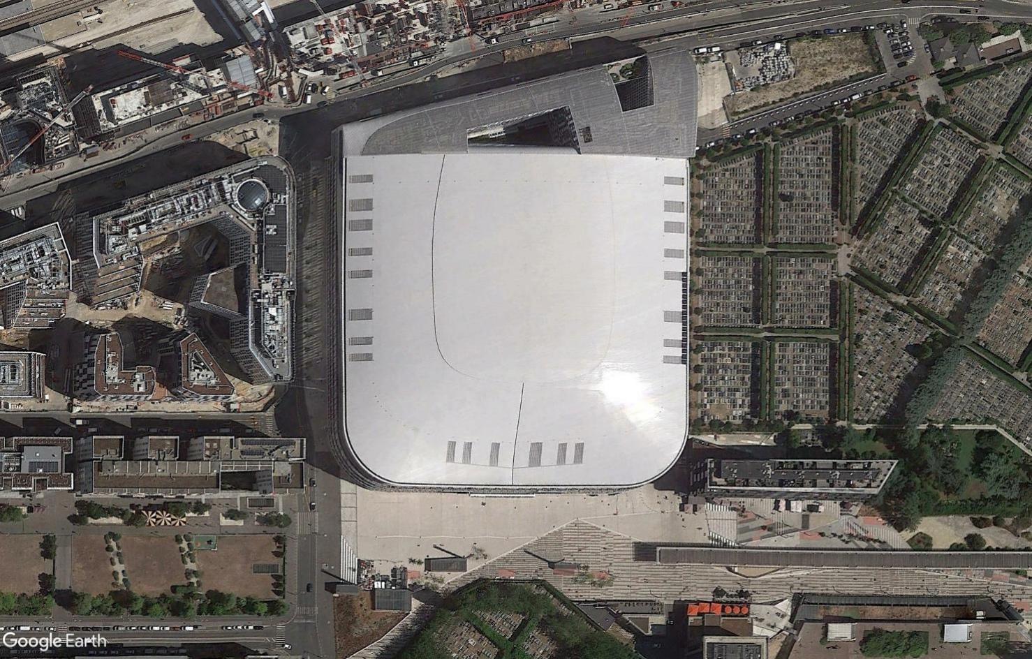 [Désormais visible sur Google Earth] - L'Arena 92, Nanterre Tsge2351