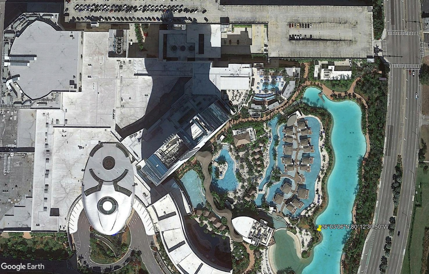 [Désormais visible sur Google Earth] Le Hard Rock Hotel à Miami Tsge2356