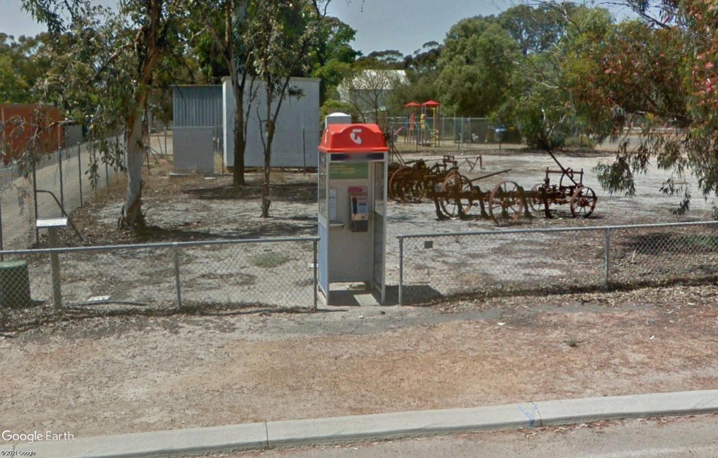STREET VIEW : Les cabines téléphoniques - Page 3 Tsge2407