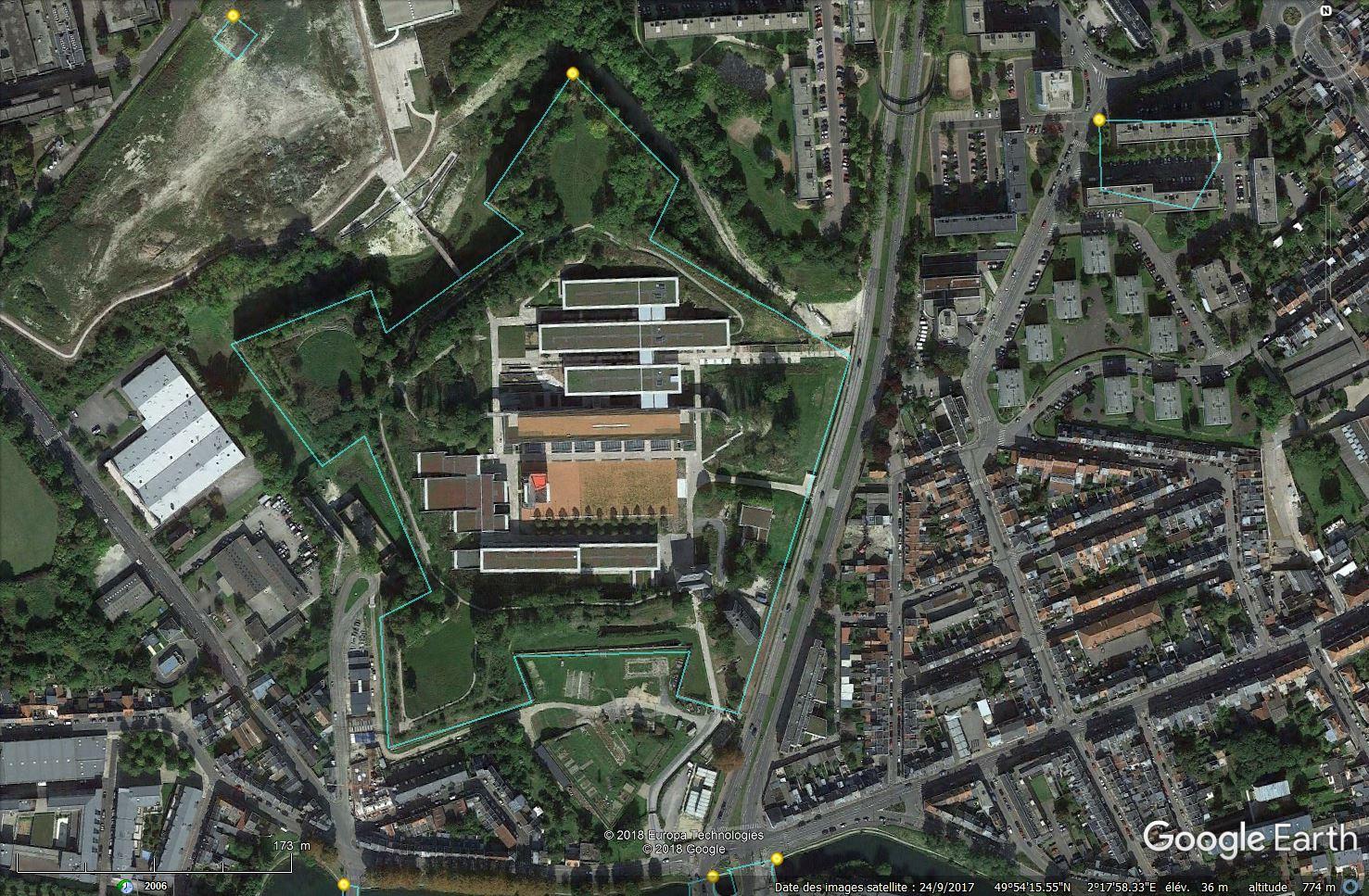 [Désormais visible sur Google Earth] - Nouvelle Université de Picardie Jules-Verne à Amiens Tsge_091