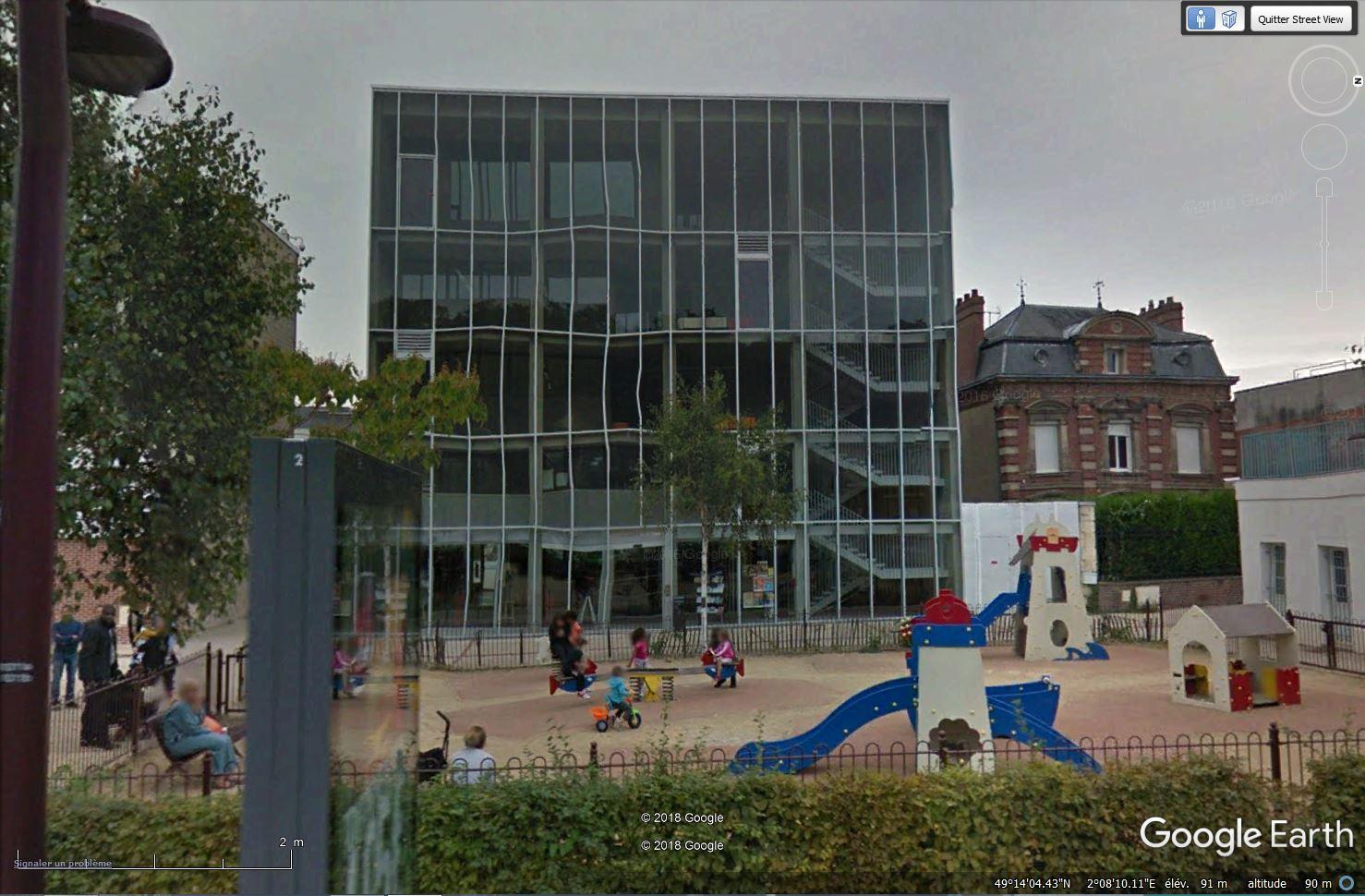 [Désormais visible sur Google Earth] - Centre Culturel de Méru, Oise Tsge_169