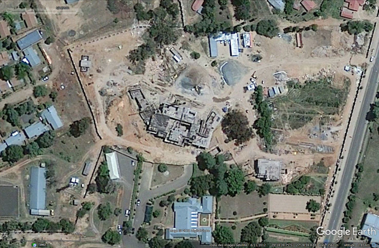 [Désormais visible sur Google Earth] -Le Palais Royal, Maseru [Lesotho] Tsge_178