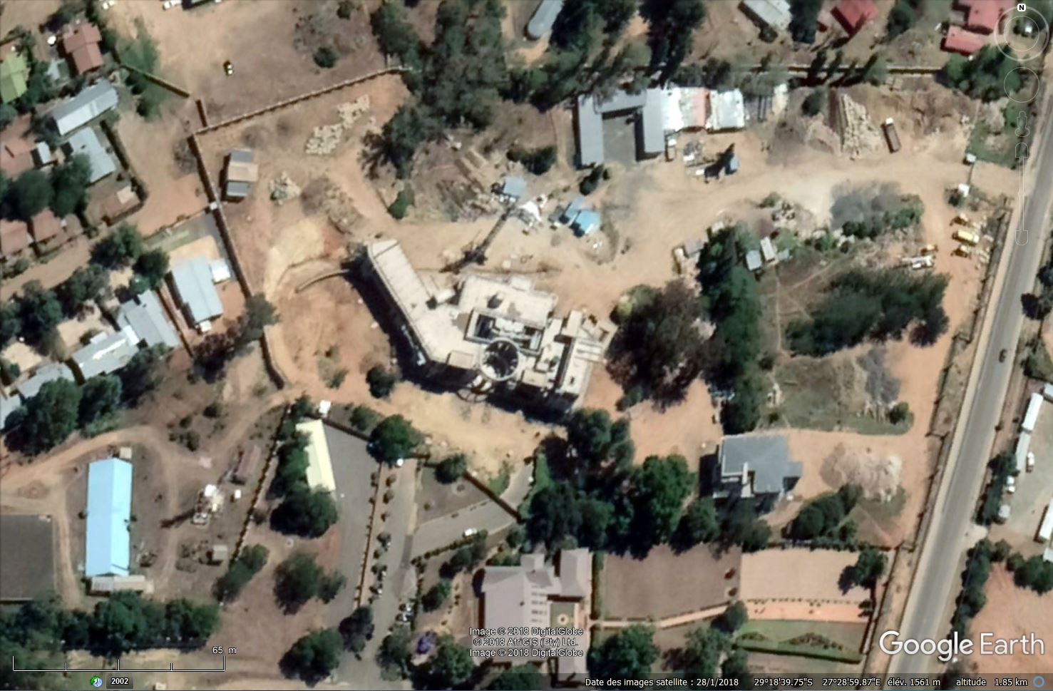 [Désormais visible sur Google Earth] -Le Palais Royal, Maseru [Lesotho] Tsge_182