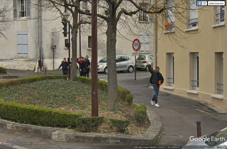 STREET VIEW : un coucou à la Google car  - Page 47 Tsge_355