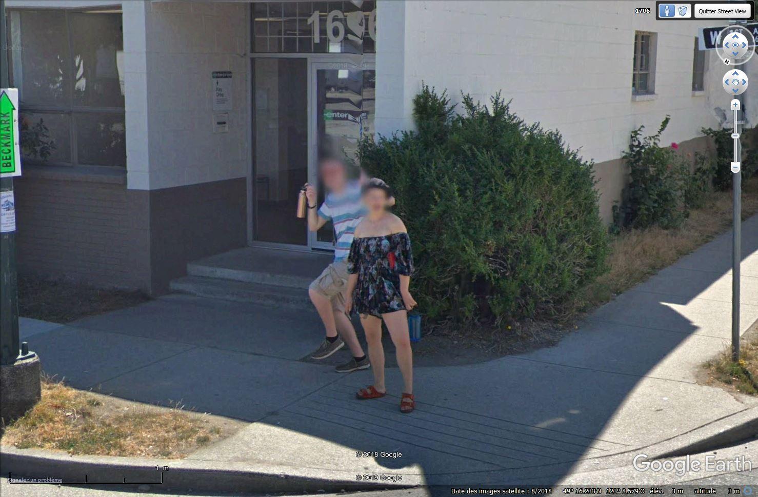 STREET VIEW : un coucou à la Google car  - Page 48 Tsge_422