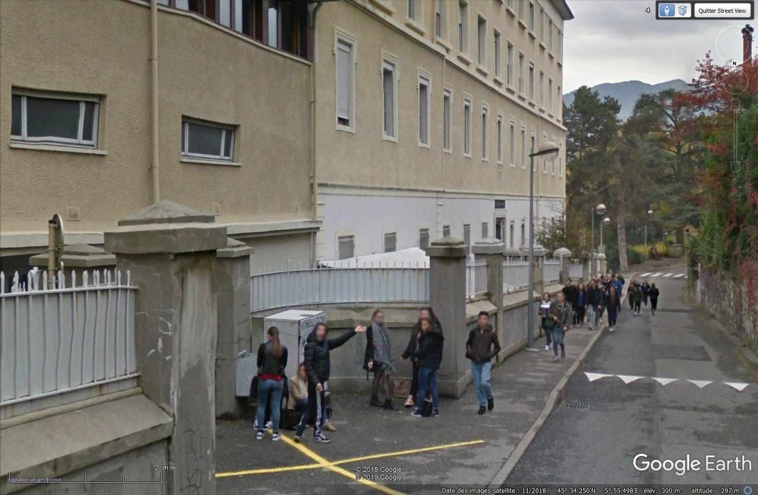 STREET VIEW : un coucou à la Google car  - Page 51 Tsge_809