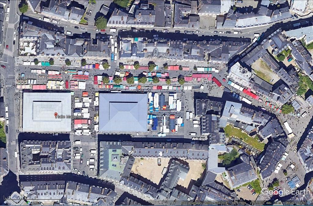 STREET VIEW : halles et marchés couverts - Page 3 Tsge_989