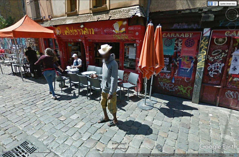 STREET VIEW : un coucou à la Google car  - Page 52 Tsge_992
