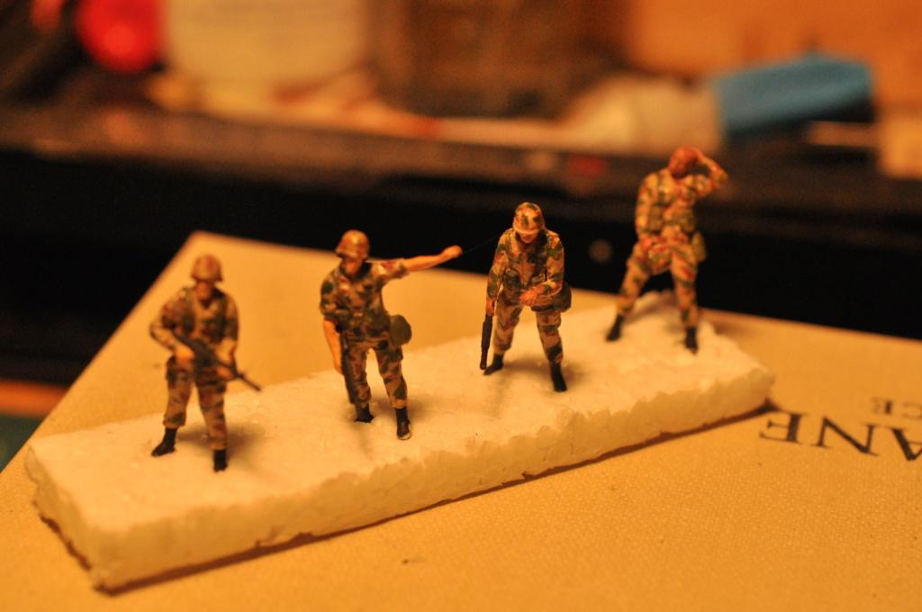 Exercice - Hummer Revell et figurines Preiser - 1/72 Dsc_0534